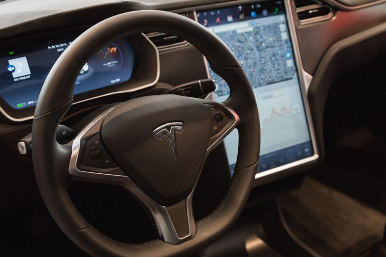 Warta: Wszystkie auta naprawiane pod okiem sztucznej inteligencji