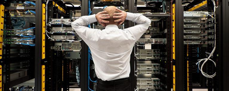 Jak rozwiązać problem odszkodowań za szkody wyrządzone przez oprogramowanie?